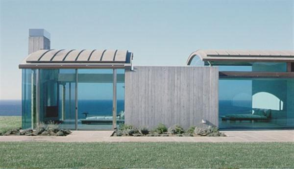 Amazing and Minimalist Beach House Design in California