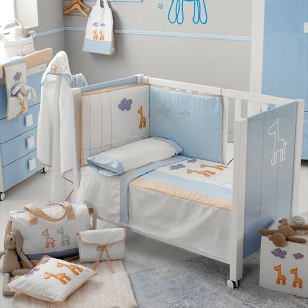 Attractive Babies Room Furniture Design with Lovely Giraffe Themes baby bed
