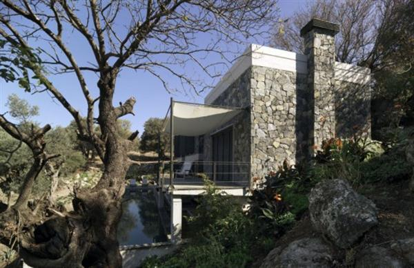 Awesome and Cool Home Design with Gorgeous View in Turkey