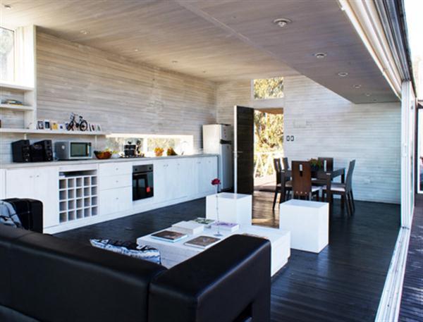 Awesome and Unique mainroom Beach House Design Ideas