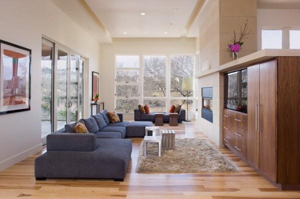 Awesome and delightful livingroom design on The Westlake Drive House