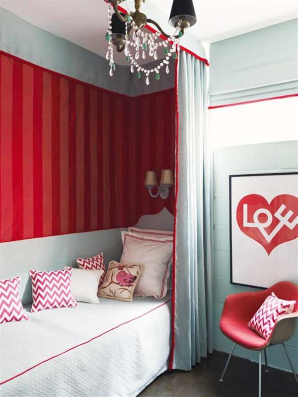 Beautiful red cozy corner Decoration Ideas