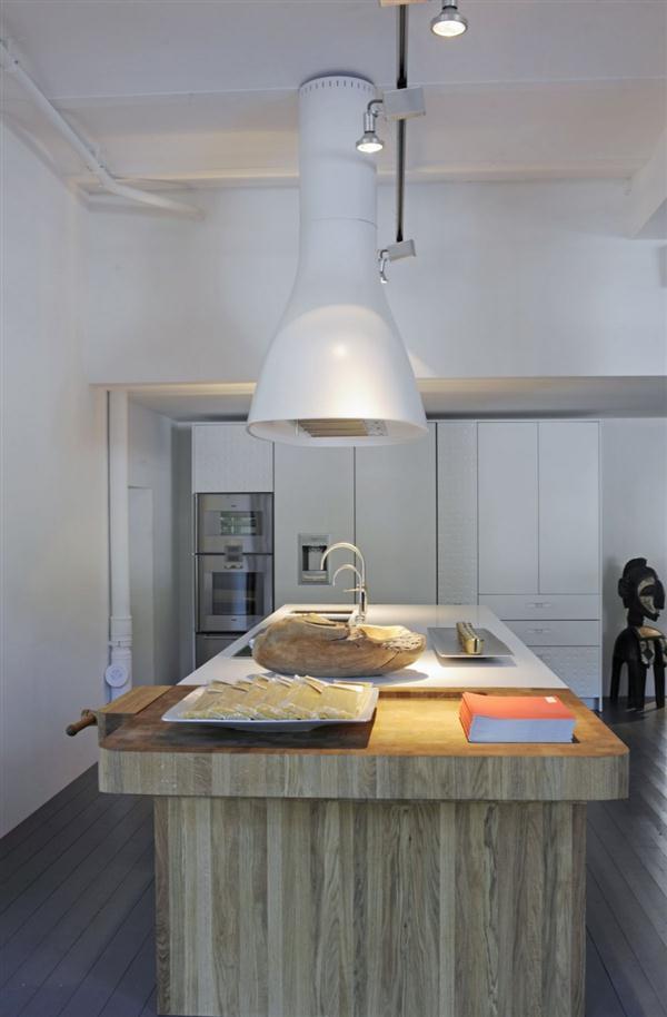 Bright and Unique Italian Kitchen Design Inspiration white dominant