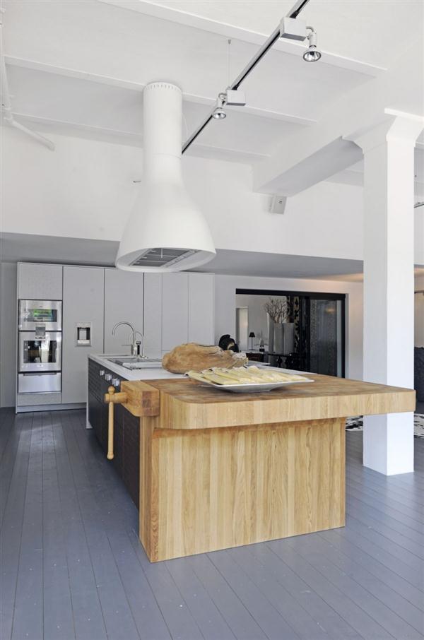 Bright and Unique Italian Kitchen Design Inspiration wooden kitchen set