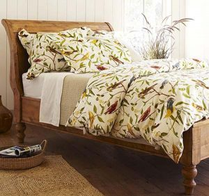Classical and elegant Sleigh Beds Design Ideas