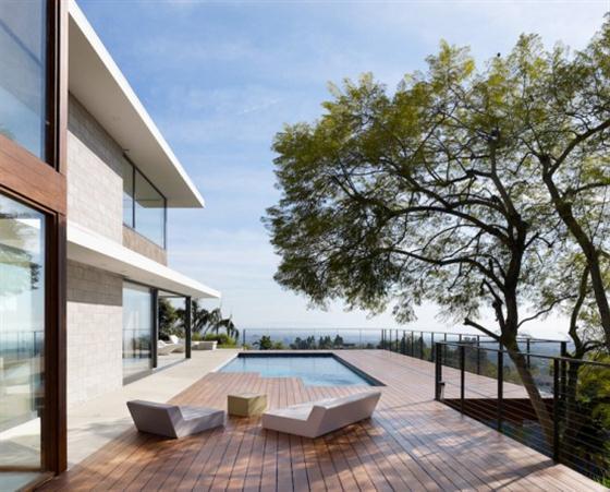 Contemporary California House Design Outdoor Patio