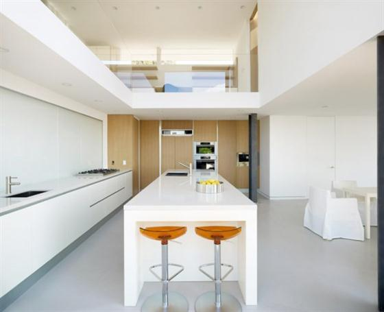 Contemporary California House Design White kitchen