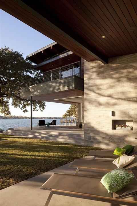 Contemporary and Elegant Lakeside Home Design by Dick Clark Architecture lake view