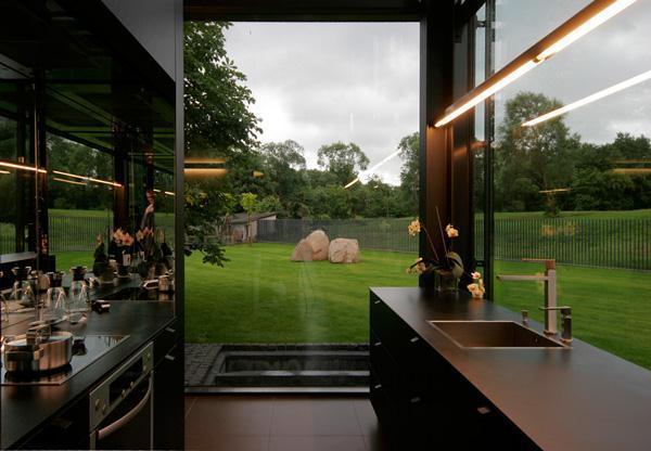 Cute kitchen design Design with the Surrounding beautiful Grassland