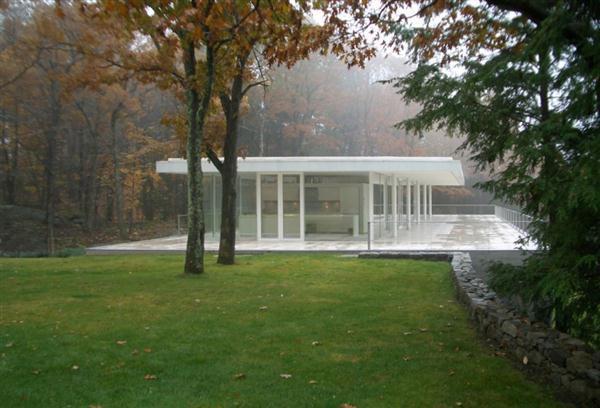 Delightful White Villa Design in New York on autumn