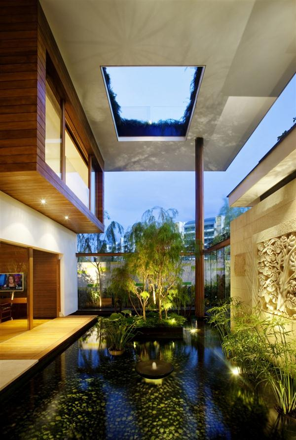 Gorgeous and Unusual Home Design by Guz Architects