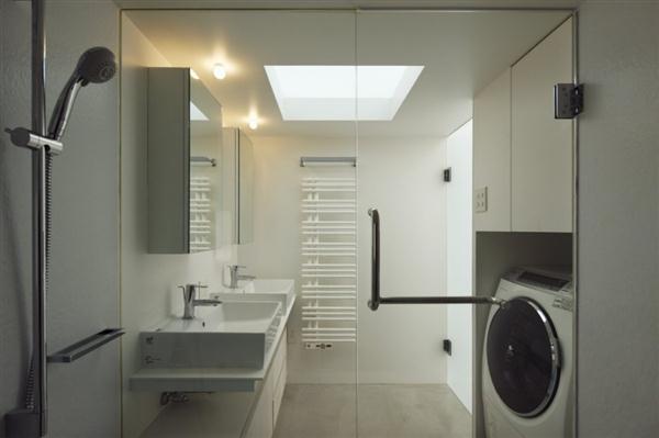 Gorgeous bathroom Design with Natural Light Ceiling in Yokohama Japan
