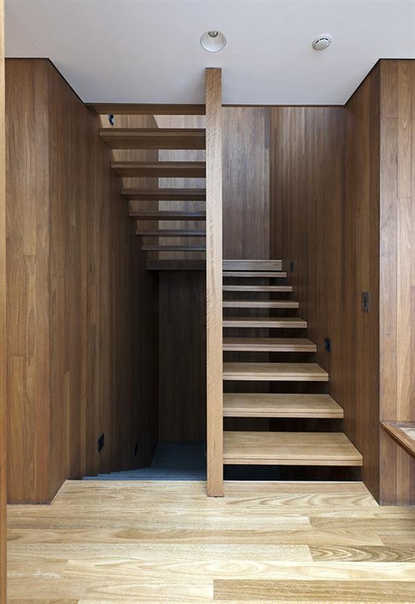 Luxurious wooden Home Design with Natural Concept by MCK Architects