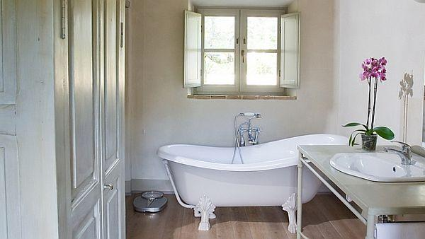 Simply white bathroom design for country house style