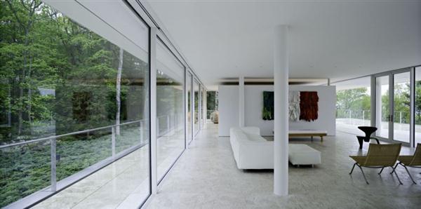 Wonderful White Villa interior Design in New York