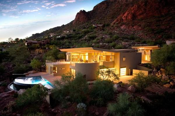 Modern Residence Design with Wonderful View in Arizona