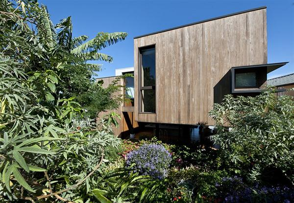 Luxurious Home Design with Natural Garden Concept by MCK Architects