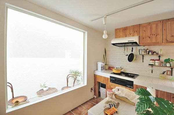 creative kitchen decor on Home with Futuristic Design in Japan