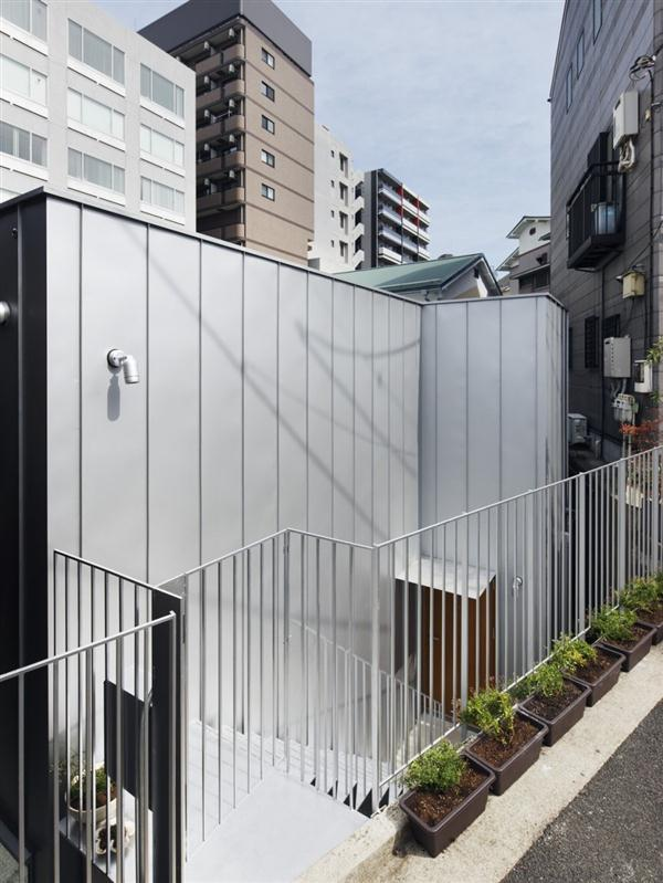 front view of Daylight Home with Natural Light Ceiling in Yokohama Japan
