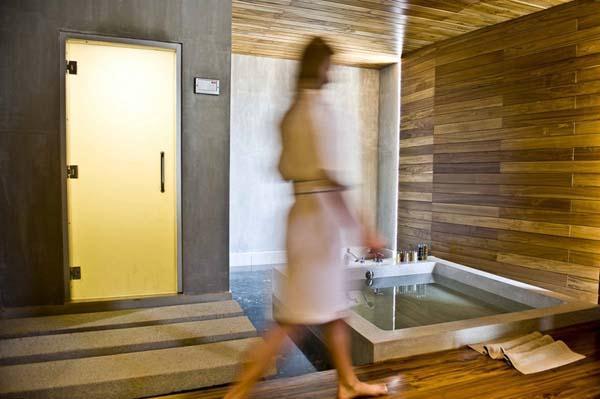 Beachfront Villa Design with green and cool concept ideas