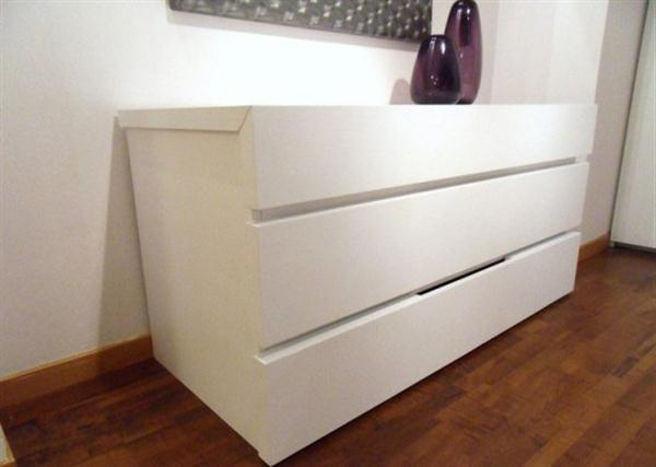 Contemporary Shelves for Minimalist and Modern Bedroom details