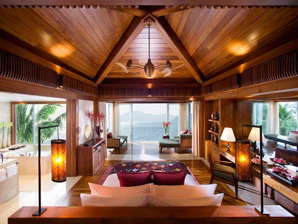 Cool and Amazing Bedrooms Design Overlooking the Sea naturally
