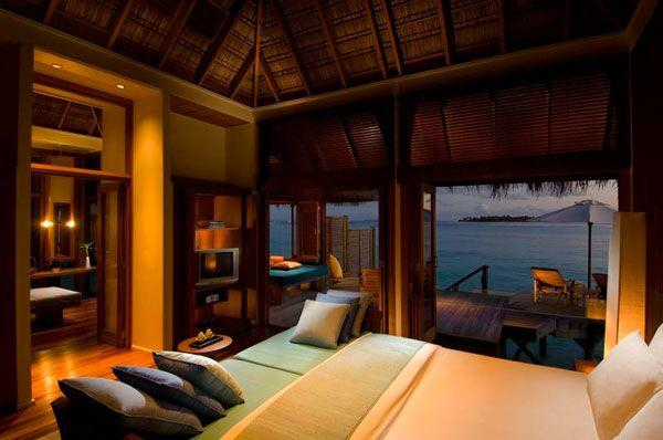 Cool and Amazing Bedrooms Design Overlooking the Sea warm