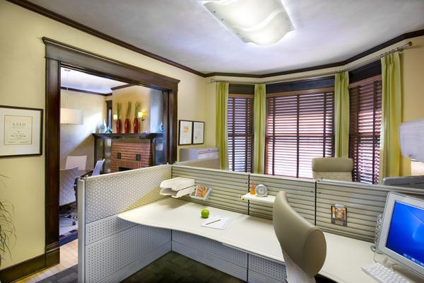 Cool and Cozy yellow Office Interior Design Ideas