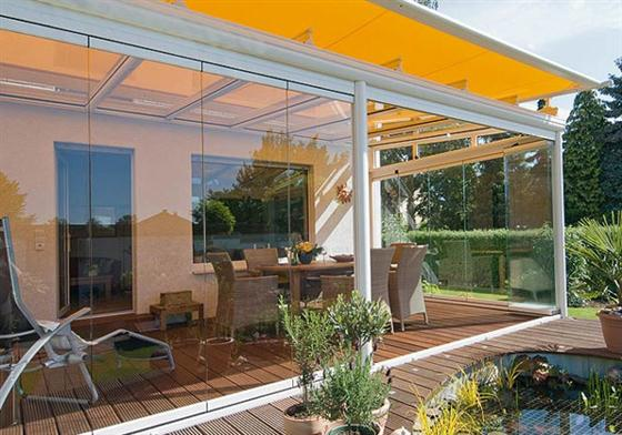 Modern patio rooms made from glass wall for spring