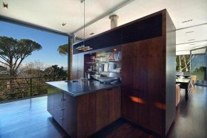 modern kitchen design on awesome the bridge house villa in South Africa
