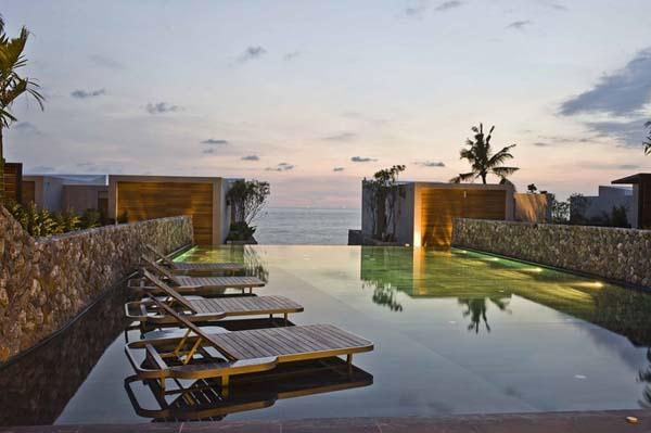 sunset view on elegance Beachfront Villa Design in Thailand