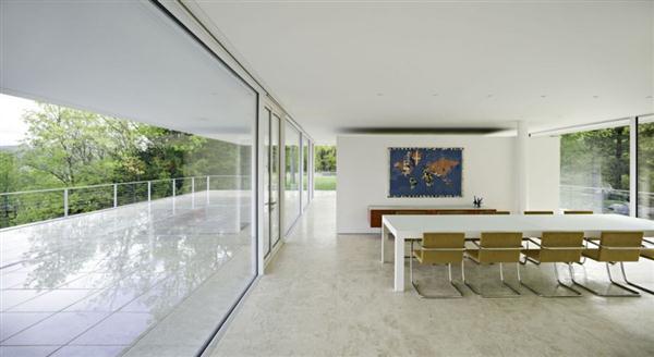 Amazing White Villa Design in New York