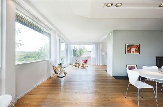 Cozy Lakeside villa and comfortable patio Interior View