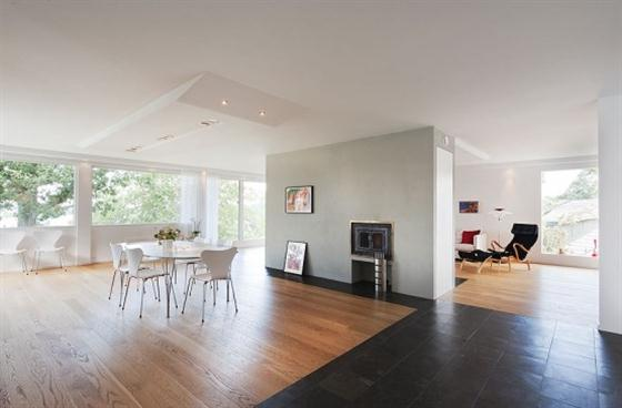 Cozy Lakeside villa and comfortable patio interior