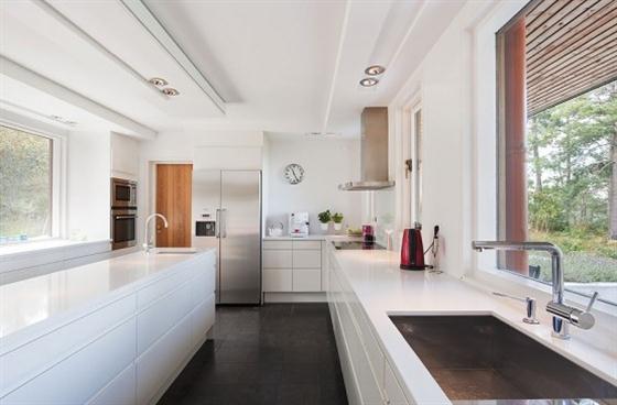 Cozy Lakeside villa and comfortable patio kitchen interior