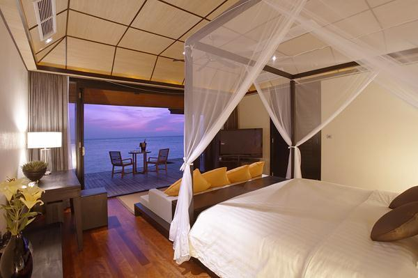 Cozy Lily Resort in Maldives bedding ideas
