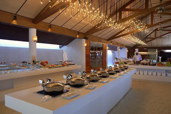 Cozy Lily Resort in Maldives restaurant