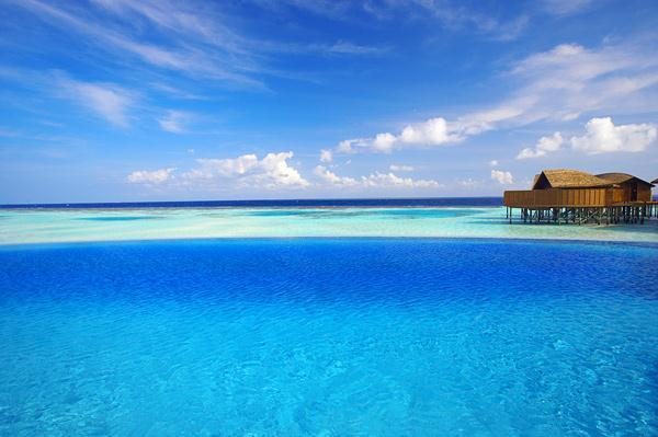 Cozy Lily Resort in Maldives with blue ocean view