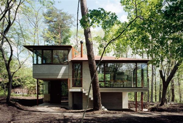 Cozy and Elegant Villa Design Inspiration in Nagano Japan at daylight