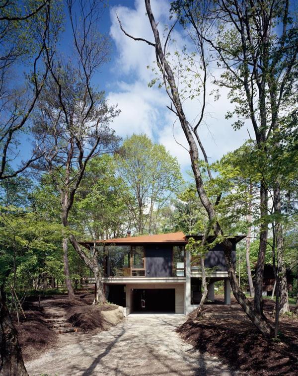 Cozy and Elegant Villa Design Inspiration in Nagano Japan garage