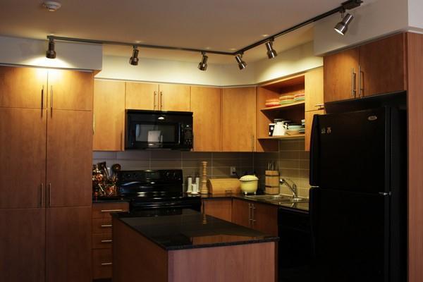 Creative and Modern Japanese kitchen Apartment Design Inspiration