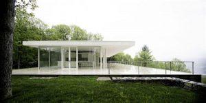Delightful and Elegant White Villa Design in New York