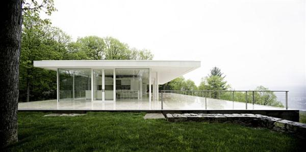 Delightful and Lovable White Villa Design in New York