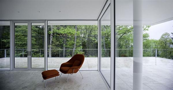 Delightful and Lovable White Villa Design with amazing forest view