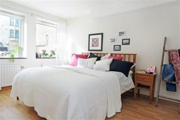 Natural and minimalist bedroom Design Ideas in Sweden