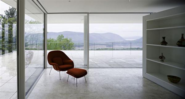 cozy reading corner on White Villa Design in New York