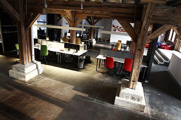 Creative Working Space Design Ideas : When Modern and Classic Concept Mixed