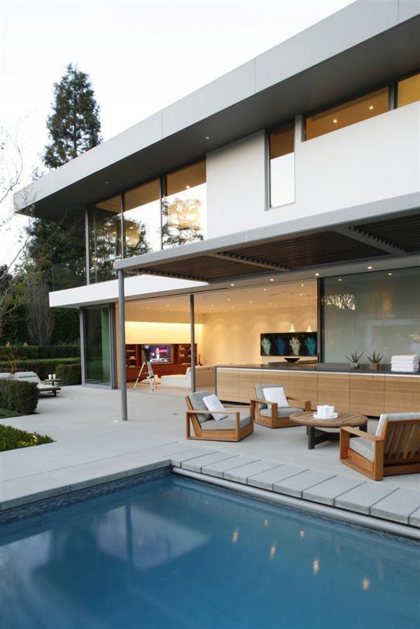 Beautiful Home Design daylight view