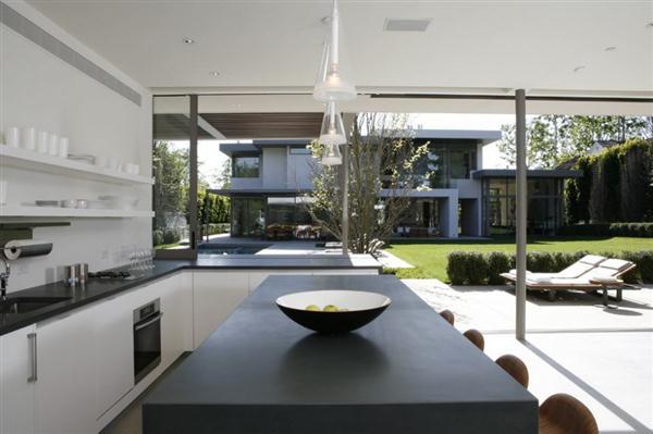 Elegance kitchen Design in Los Angeles California