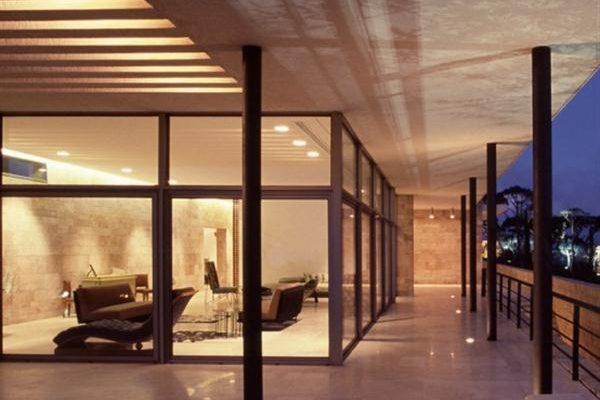 Elegant and Modern Home Design with Mediterranean Style